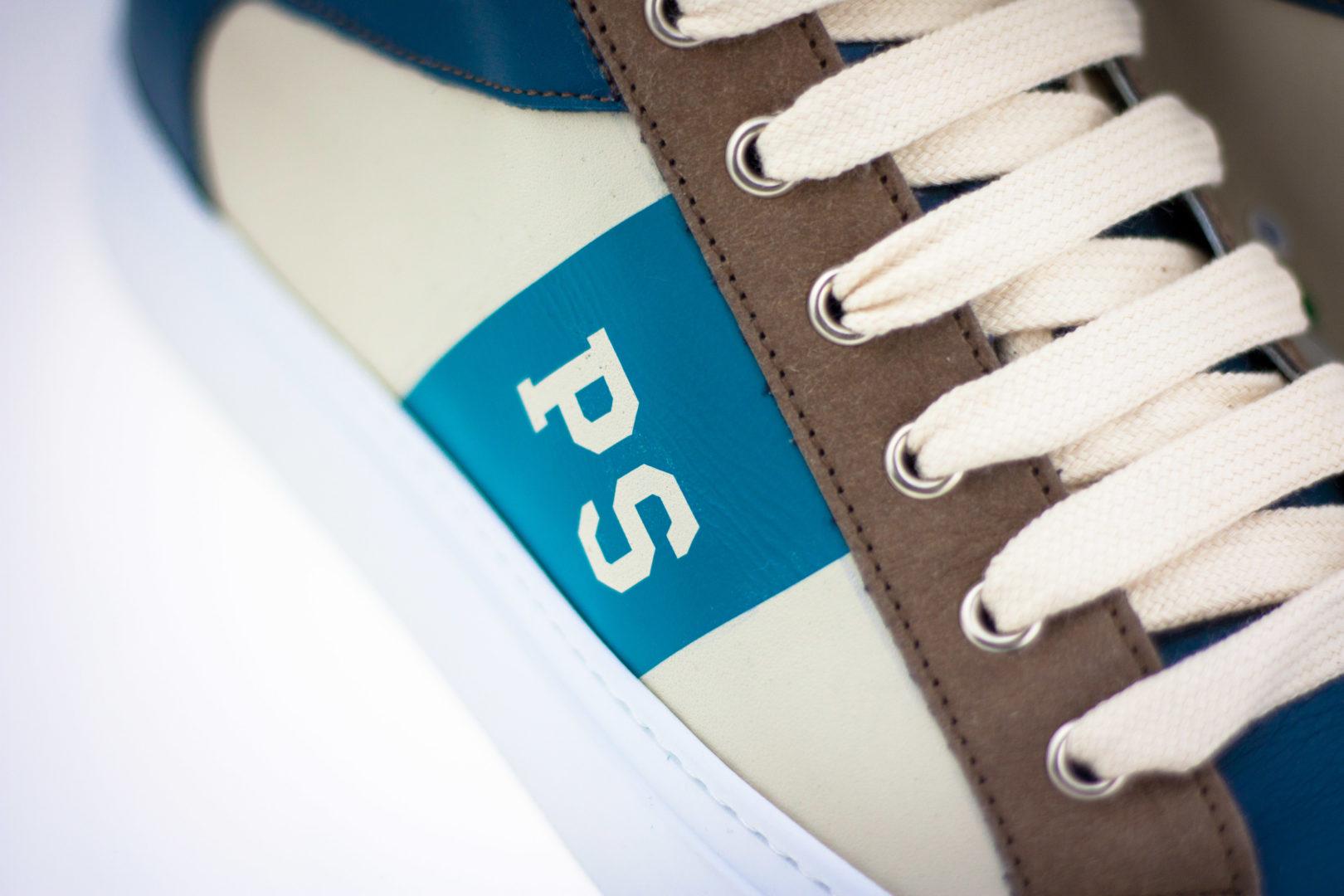 5b3b9a29046863 Per molti ma non per tutti, la scarpa PS è dedicata a chi plasma le  tendenze imponendo il suo stile personale.